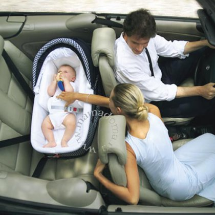 Как перевозить новорожденного в машине?