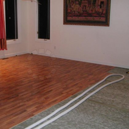 Как положить ламинат на деревянный пол?