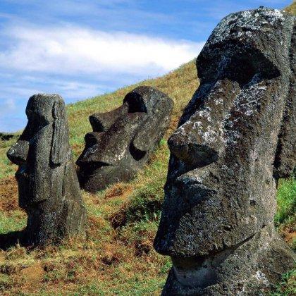 Как был заселён остров Пасхи?