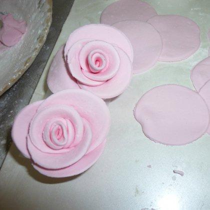 Как сделать цветочки из мастики