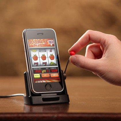 Как скачивать игры на телефон?