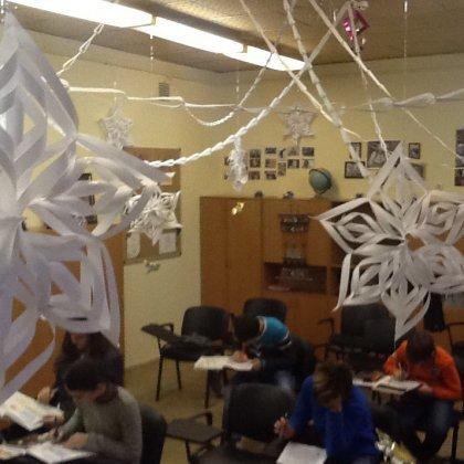 Как украсить класс к Новому году?