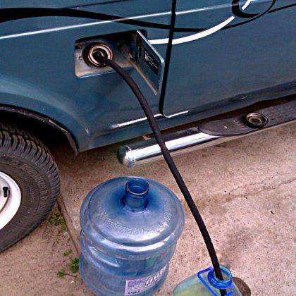 Как слить бензин с машины?
