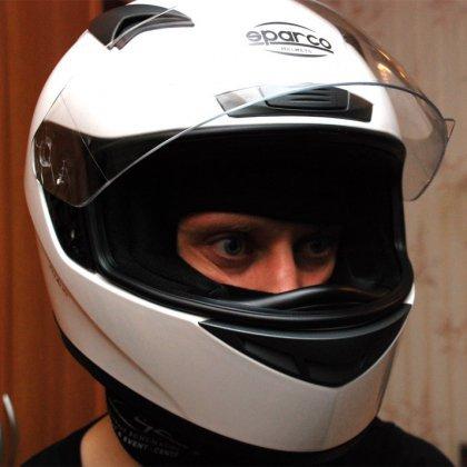 Как правильно надевать шлем?