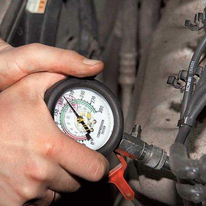 Как проверить, узнать компрессию в двигателе?