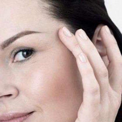 Как удалить морщины вокруг глаз?