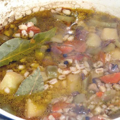 Как варить суп с перловкой: простой рецепт