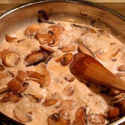 Рецепт белые грибы сметаной