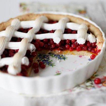 Как правильно испечь пирог с клюквой?