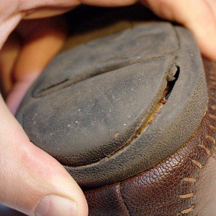 Как вернуть бракованную обувь в магазин?