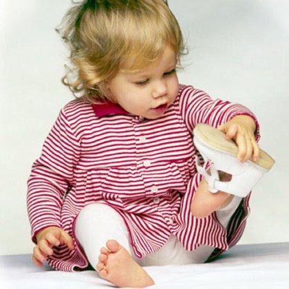 Как выбрать первую обувь ребенку?