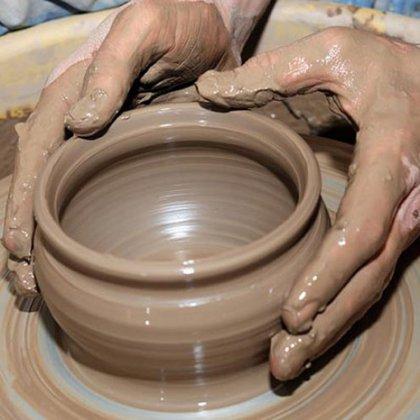 Как сделать вазу из глины?