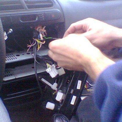 Как снять магнитолу в автомобиле?
