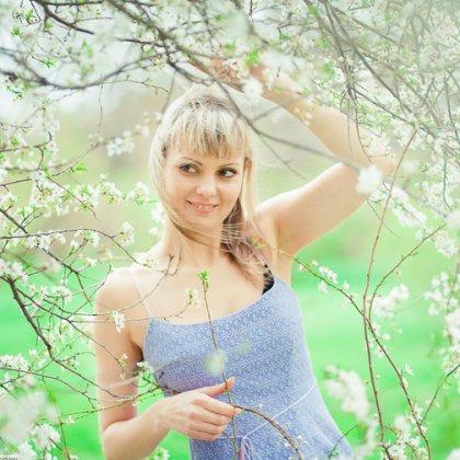 Как провести интересную фотосессию под цветущими яблонями?