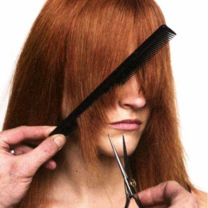 Как самой подстричь косую челку дома?