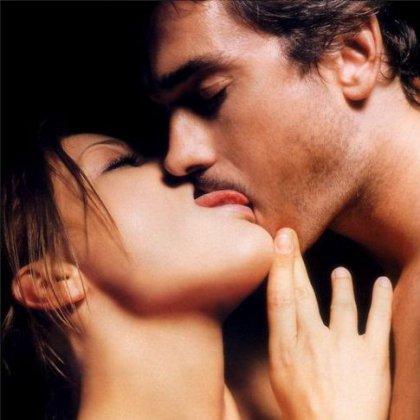 Как научиться разным способам поцелуя?