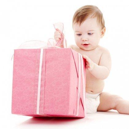 Как выбрать подарок малышам и подросткам?