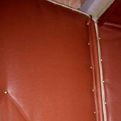Как обить деревянную дверь?