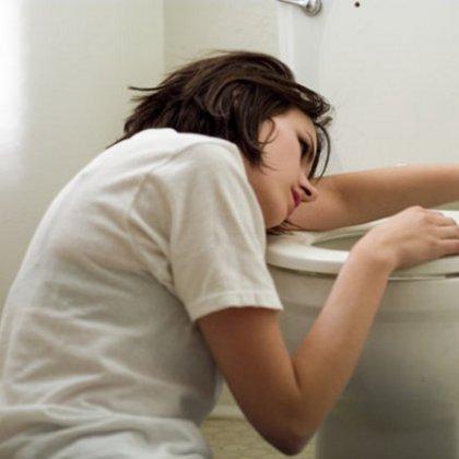 Как промыть желудок при отравлении?