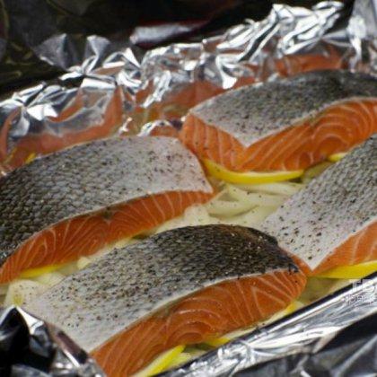 Как приготовить стейк лосося?