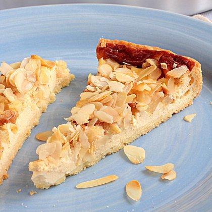 Как испечь миндальный пирог?
