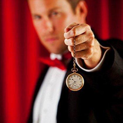 Как научиться гипнотизировать взглядом?
