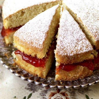 Как испечь пирог с вареньем?