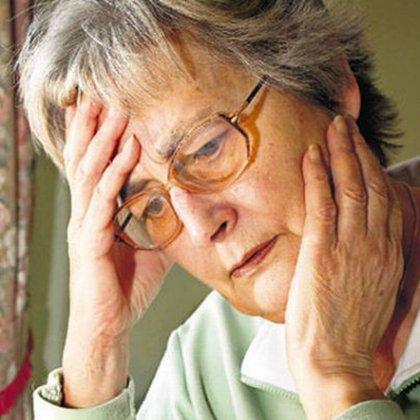 Как справиться с неврозом тревоги у пожилых людей?