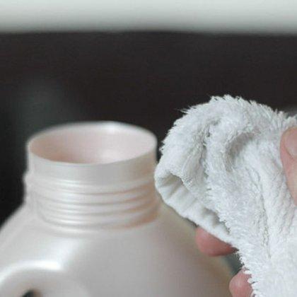 Как чистить драповое пальто: средства