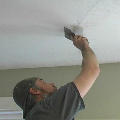 Сделать работы по отделке подшивного потолка из гипсокартона можно несколькими способами