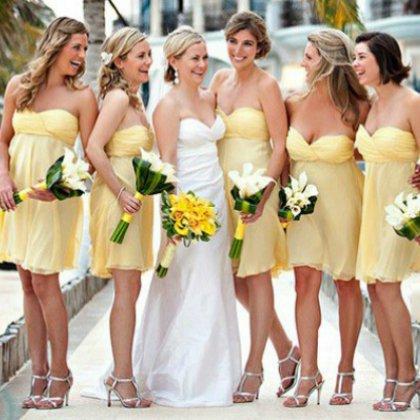 Как одеться на свадьбу гостям?