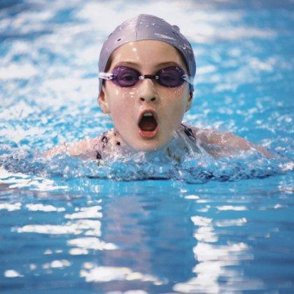 Как правильно заниматься плаванием детям, чтобы участвовать в соревнованиях?
