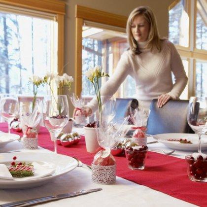Как правильно засервировать стол на Новый Год?