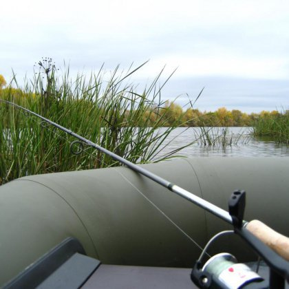 удочки для летней рыбалки с лодки