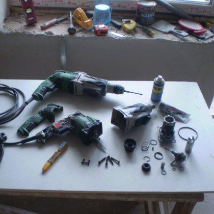 Как разобрать перфоратор, чтобы отремонтировать его?