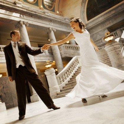 Как красиво танцевать на свадьбе: секреты постановки танца