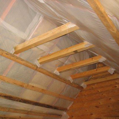Как утеплить потолок глиной?