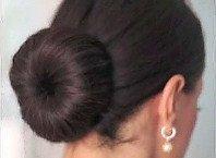 Как сделать пучок из волос с валиком.
