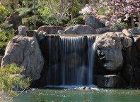Как сделать декоративный водопад